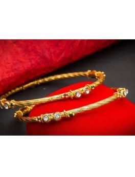 Feminine Stylish Alloy Bangles