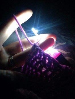inspire-uplift-led-hooks-set-of-8-hooks-led-light-crochet-hooks-muzaffarpureshop